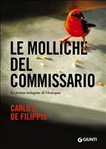 Copertina dell'audiolibro Le molliche del commissario di DE FILIPPIS, Carlo