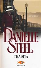 Copertina dell'audiolibro Tradita di STEEL, Danielle